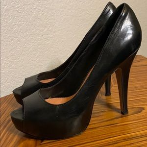 Vince Camuto Peep Toes